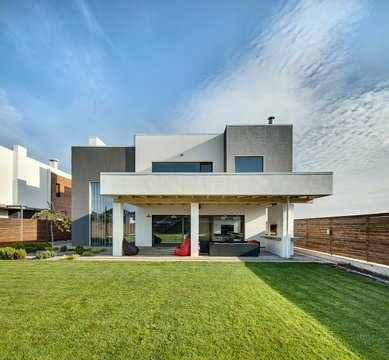 Country house in modern style