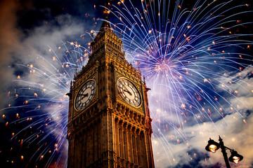 Photo sur Plexiglas Londres Big Ben with fireworks. New Year's Eve