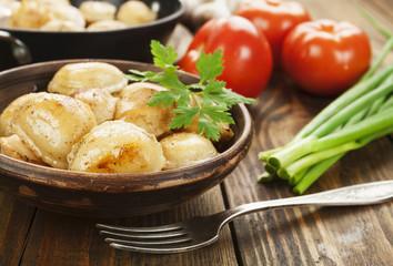 Fried dumplings with meat
