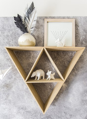 Triangle shelf with paper animals - Hipster design