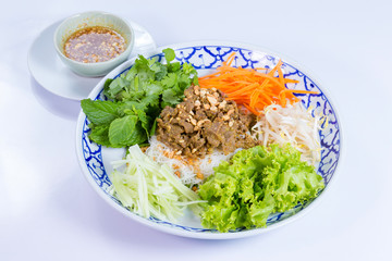 Rice noodles with pork and vegetable