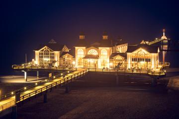 Seebrücke Sellin auf Rügen Goldlicht