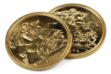 britische Sovereign Goldmünzen isoliert auf weißem Hintergrund
