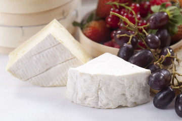 soft brie cheese with grape