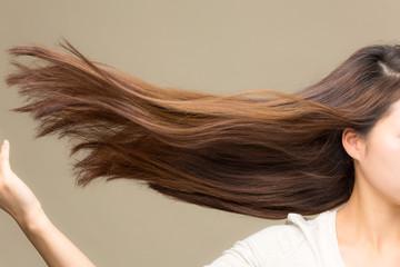 躍動感あふれる髪