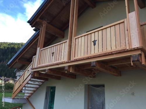 poggiolo ringhiera terrazzo balcone legno serramenti falegname ...