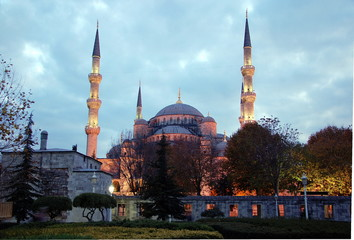 The Blue Mosque (Sultanahmet Camii) with illumination in the early evening in  Istanbul, Turkey