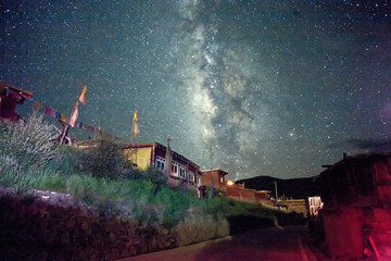 Color of Buddhism in China's sichuan province at night