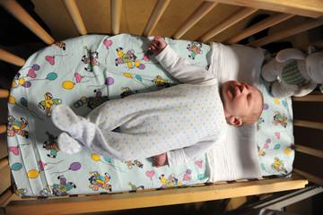 Baby in der ersten Stunde nach der Geburt