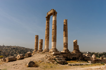 Temple of Hercules on the Citadel with Amman city view, Jordan