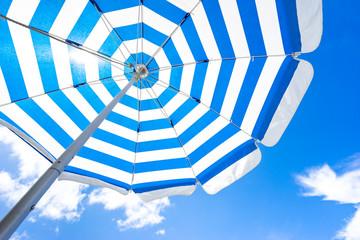Striped Beach Umbrella (ビーチパラソル)