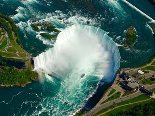 Chutes du Niagara vues du ciel