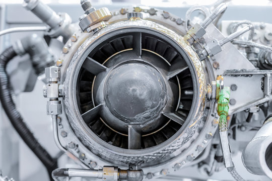 front view of gas-turbine auxiliary power unit