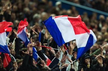 PARIS, FRA - November 13, FS, Frankreich - Deutschland, Stade de France . Im Bild: Frankreich Fans schwenken französische Fahnen .