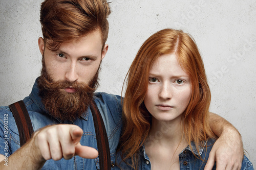index finger dating Dating fatherhood friendship marriage social skills  if you go back hundreds of years, the index finger was the most common location for a man's ring,.