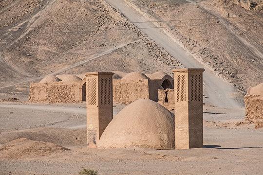 Der Iran - Yazd  Türme des Schweigens