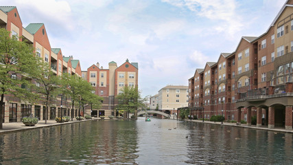 Canal Indianapolis Indiana, waterfront living, town homes.