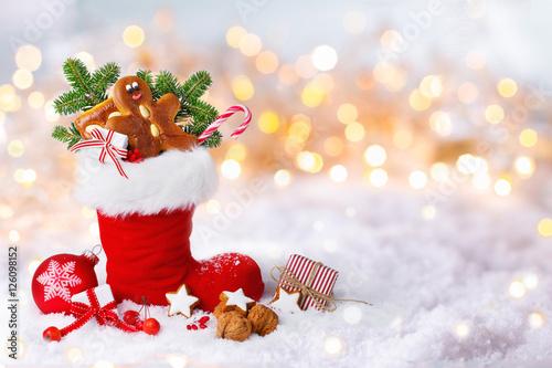 Gefüllte Kinderstiefel Zum Nikolaus Im Schnee Stockfotos Und