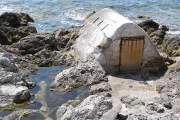 Lager am Meer. Küste von Mallorca