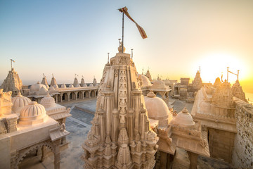Papiers peints Edifice religieux Jain temples on top of Shatrunjaya hill. Palitana (Bhavnagar district), Gujarat, India
