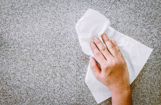 Hand cleaning with Paper Towel