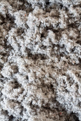 mounts thermal insulation from recycled Cellulose insulation environmentally friendly paper to insulate the floor of the ceiling and the walls of the house