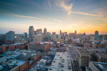 Fotomurales - Aerial view of downtown Detroit at twilight