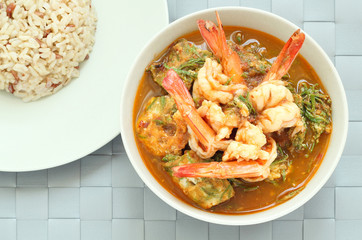 Kang som cha-om khai, Thai food, hot and sour curry with shrimps