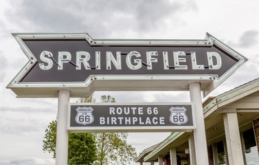 Springfield road arrow sign in best western route 66 rail haven.