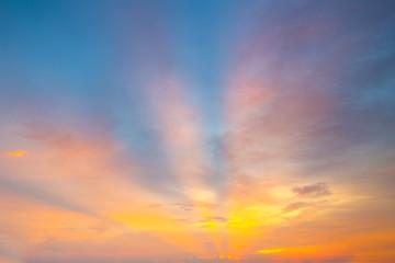 Foto op Aluminium Ochtendgloren Fiery orange sunset sky. Beautiful sky.