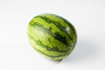 Wassermelone auf weissem Untergrund