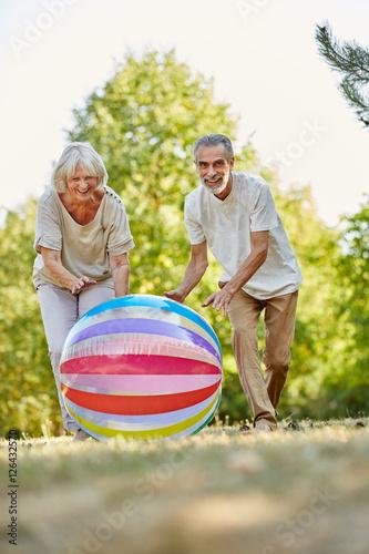 spielen mit senioren