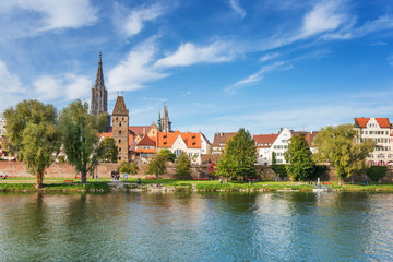 Fototapete - City of Ulm at a sunny day