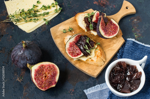 Onion-Thyme Jam Recipe — Dishmaps