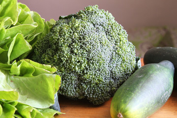 Whole Broccoli with Lettuce and Cucumber