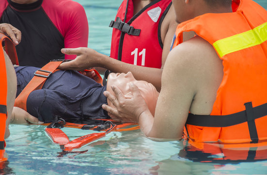 rescue water dummy in drowning case training