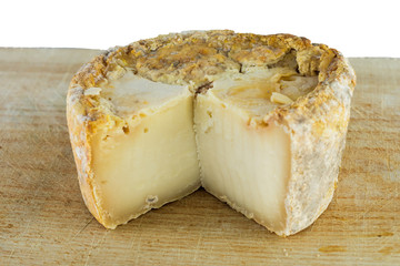 Of hard cheese in the form of rind goat's milk.