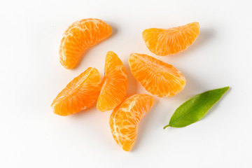 Peeled mandarin segments