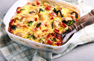 Broccoli, chicken and cheese bake