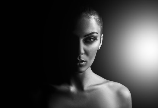 monochrome portrait of a beautiful young woman