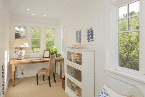 Cozy Home Office Surrounded With Greenery Fotos De Archivo E Im Genes Libres De Derechos En