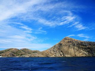 聟島(ケータ島) 断崖