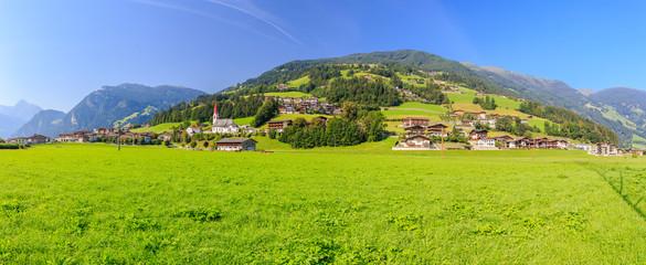 Zillertal Panorama Mayrhofen Hippach-Dorf