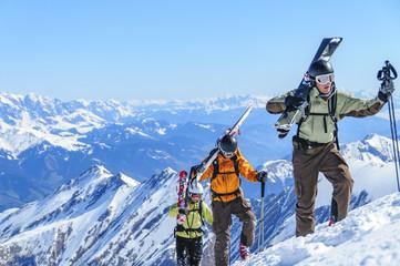 Freerider auf dem Weg zum Gipfel des Kitzsteinhorns
