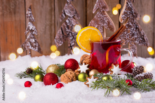 leckerer gl hwein zu weihnachten stockfotos und. Black Bedroom Furniture Sets. Home Design Ideas