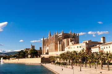 J And J Transport Stonehenge Foto: Kathedrale von Palma de Mallorca