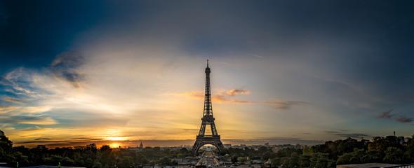 Sunrise Eifel Tower