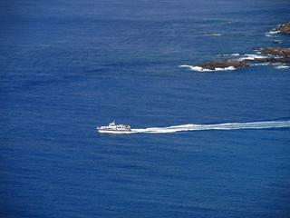 新島と式根島を結ぶ連絡船