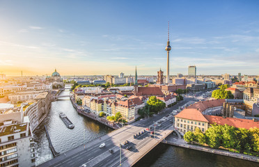 Poster Berlin Berlin skyline with Spree river at sunset, Germany