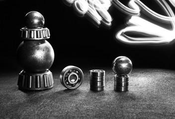 механические детали на черном фоне